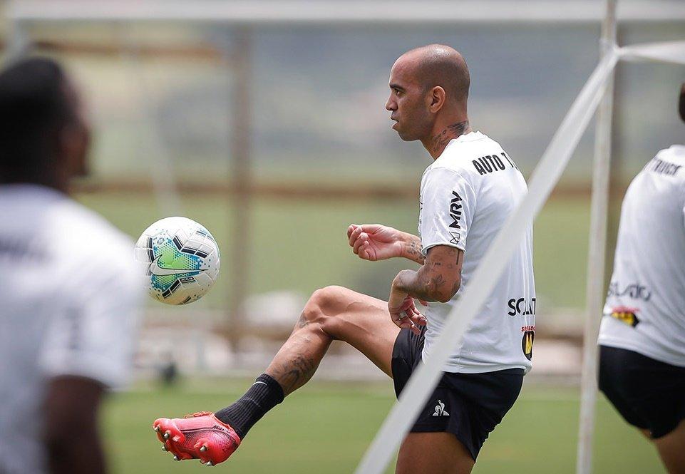 Espora 13 - Atlético - Galo - Atlético-MG - Jorge Sampaoli - Diego Tardelli já tem condições físicas para voltar a jogar. Mas por opção de Sampaoli o atacante não vem sendo relacionado