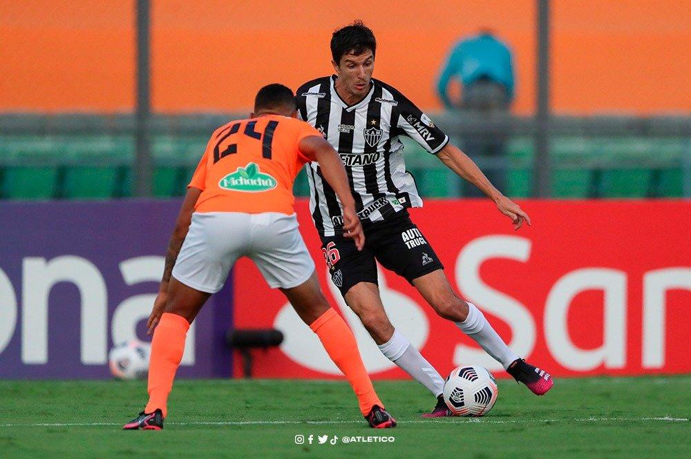 Espora 13 - Atlético - Galo - Atlético-MG - Atlético de Cuca volta a jogar abaixo da média. Galo empata contra o La Guaira na estreia da Libertadores