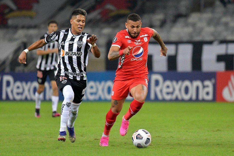 Espora 13 - Atlético - Galo - Atlético-MG - Hulk Esmaga! Galo joga bem, sofre no final mas derrota o América de Cali