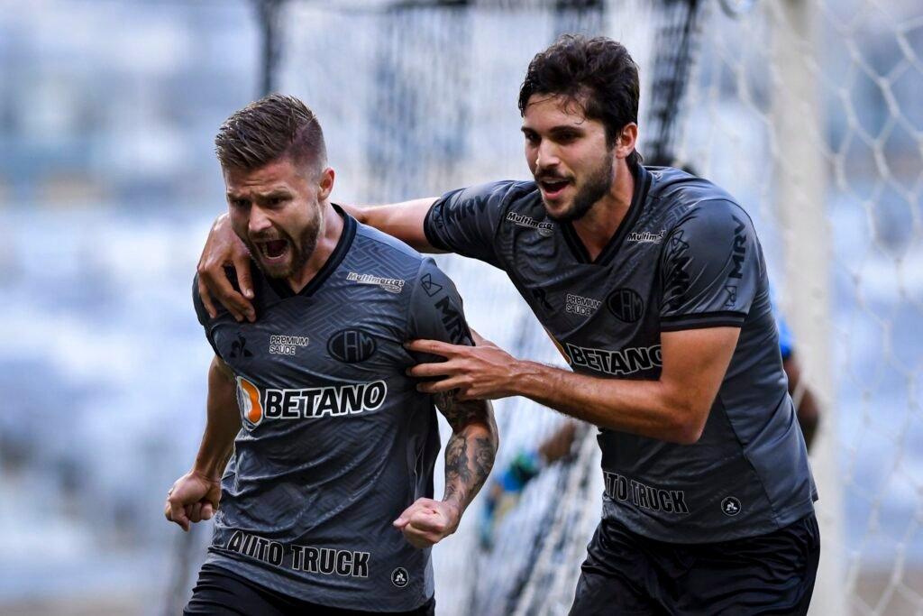 Espora 13 - Atlético - Galo - Atlético-MG - Décima quinta final consecutiva! Atlético empata com Tombense e está na grande decisão do Campeonato Mineiro