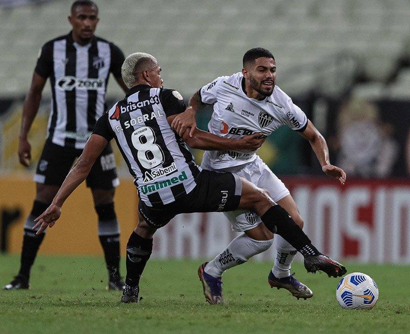 Espora 13 - Atlético - Galo - Atlético-MG - Com direito a falhas do goleiro Everson, Galo é derrotado pelo Ceará no Castelão