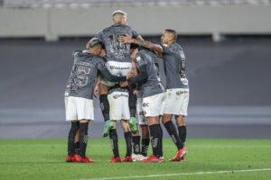 Espora 13 - Atlético - Galo - Atlético-MG - Monumental! Com raça e inteligência, Galo derrota River Plate na Argentina