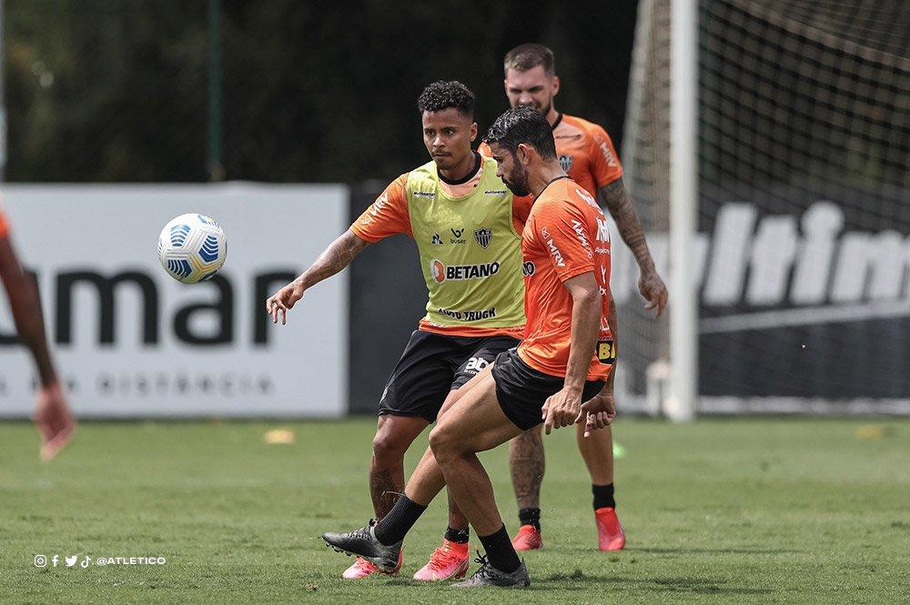 Espora 13 - Atlético - Galo - Atlético-MG - Para não perder o gás no 2° Turno! Fora de casa, Galo vai enfrentar o Fortaleza no Castelão