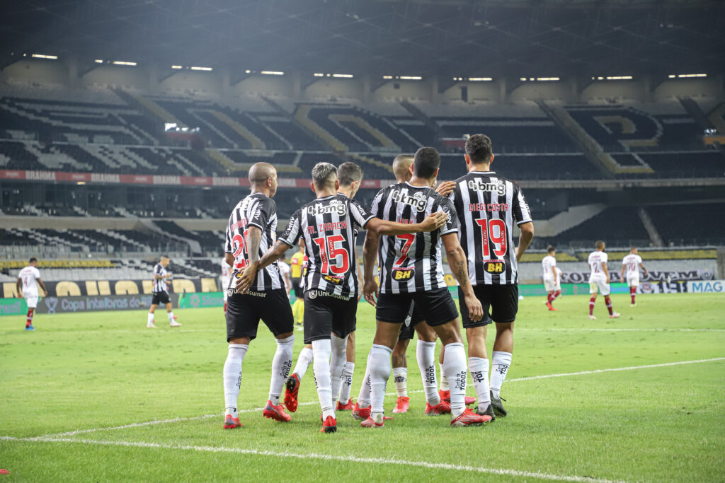 Espora 13 - Atlético - Galo - Atlético-MG - Galo volta a vencer Fluminense, e está de volta às Semifinais da Copa do Brasil